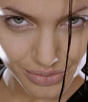 angelina-jolie-035-01