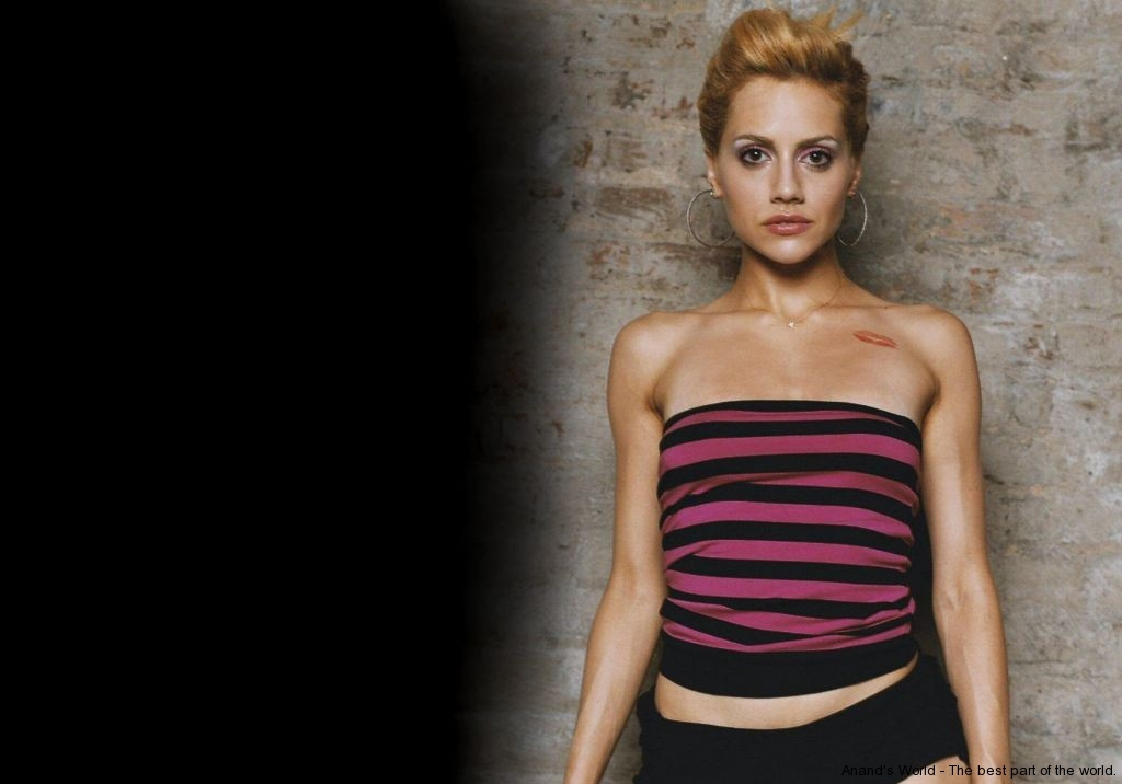 brittany-murphy-050-01