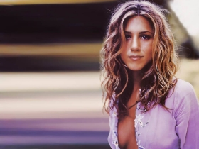 jennifer-aniston-026-01