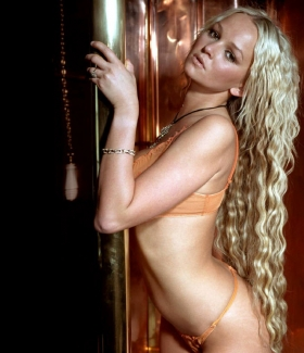 jennifer-ellison-023-01