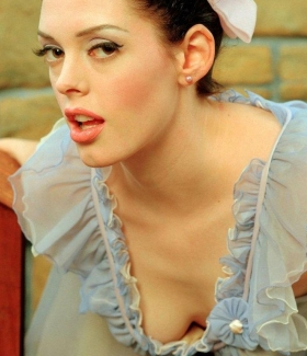 rose-mcgowan-36