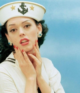 rose-mcgowan-37