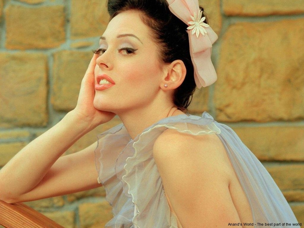 rose-mcgowan-41