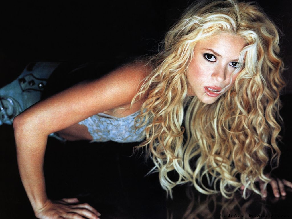 Shakira hot pictures w...