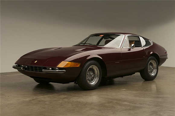 1972 Ferrari 365 GTB went for $495,000.