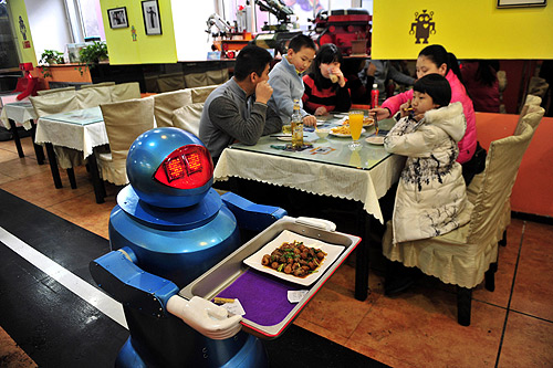 Another robot restaurant opened in Jinan