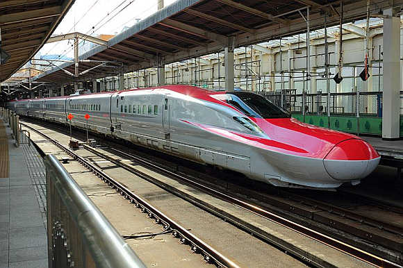 Shinkansen E6.