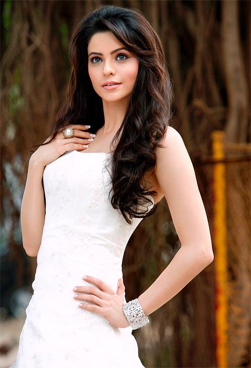 Aamna Shariff in Aloo Chat