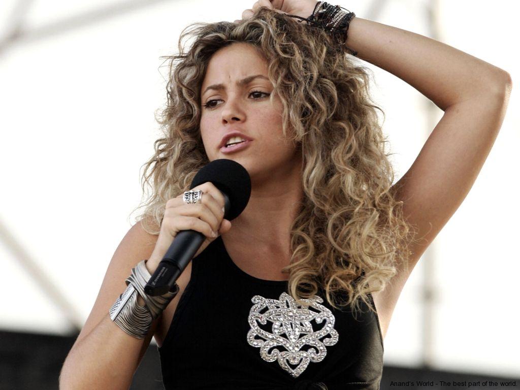 Shakira Hot Pictures Waka Waka Shakira Pictures Anand S